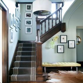 прихожая с лестницей в частном доме идеи фото