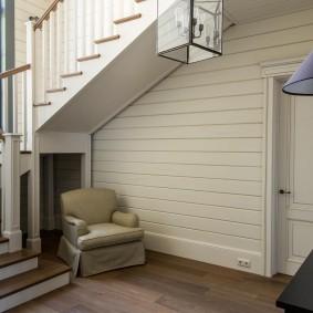 прихожая с лестницей в частном доме дизайн фото