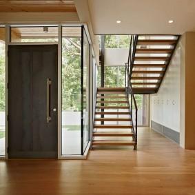 прихожая с лестницей в частном доме фото дизайн