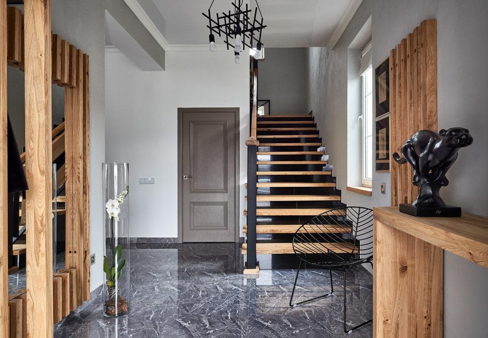прихожая с лестницей в частном доме фото идеи