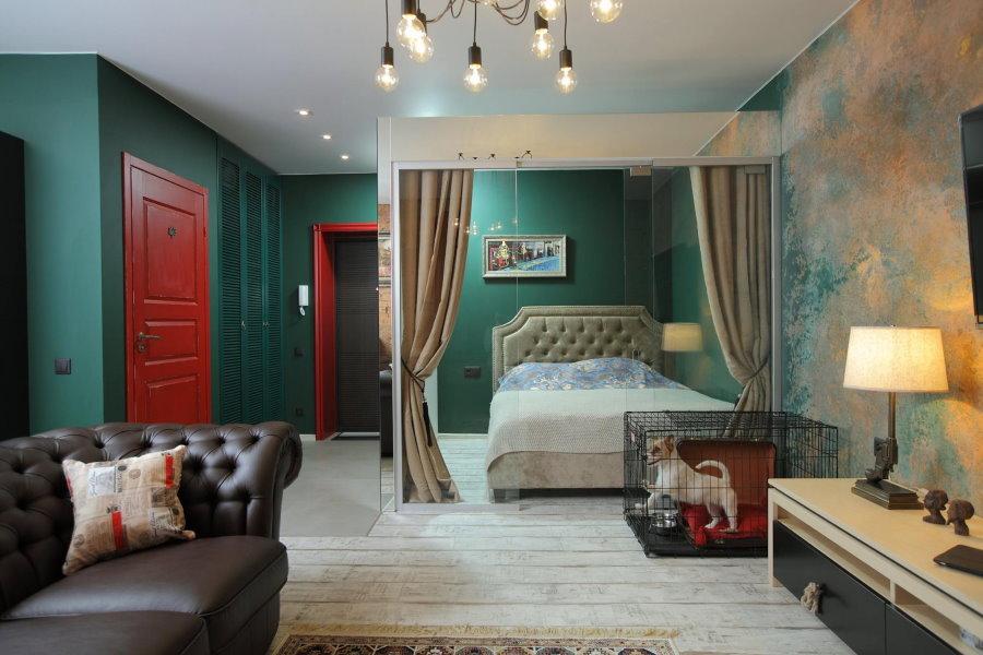 Темно-зеленые стены спальни-гостиной в стиле лофта
