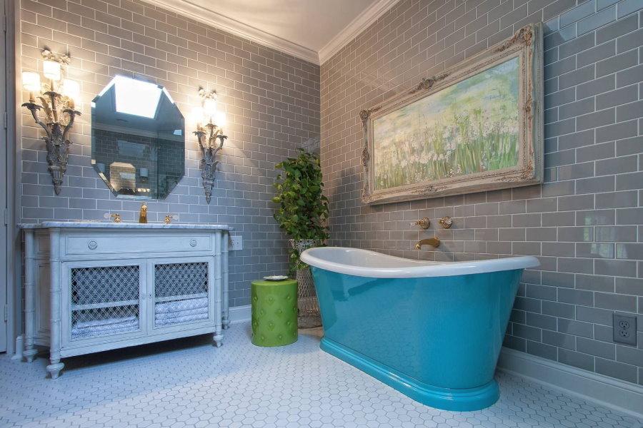 Голубая ванна в прованском стиле