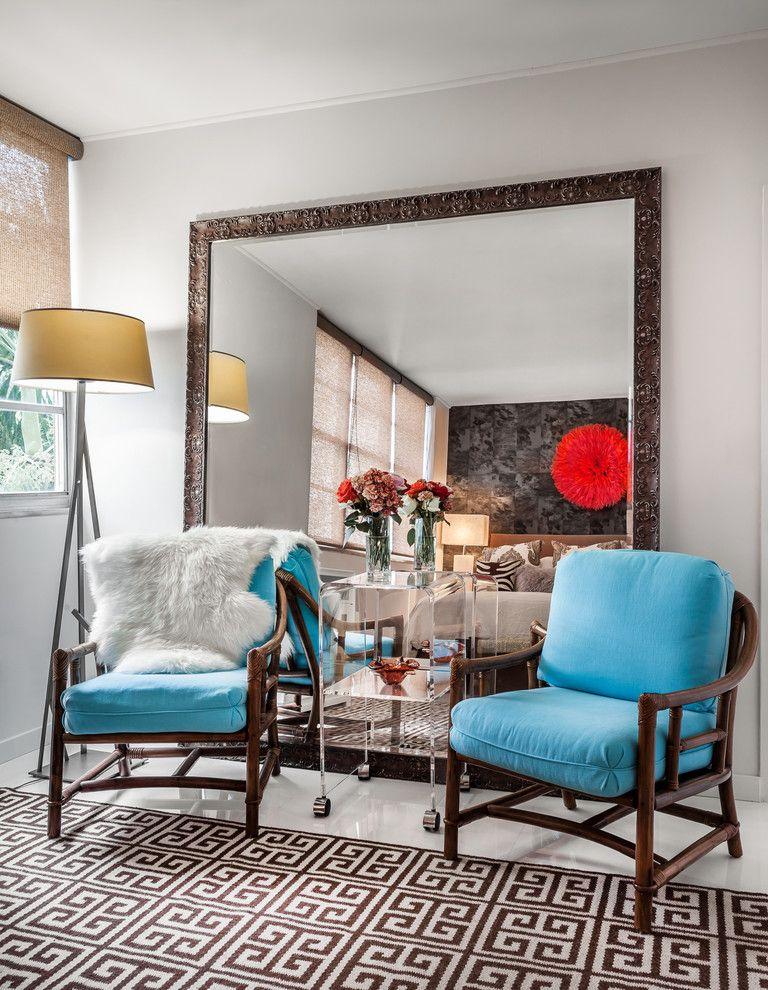 Расширение комнаты с помощью напольного зеркала