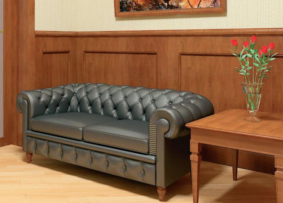 Серый диванчик в прихожей с деревянной отделкой стен