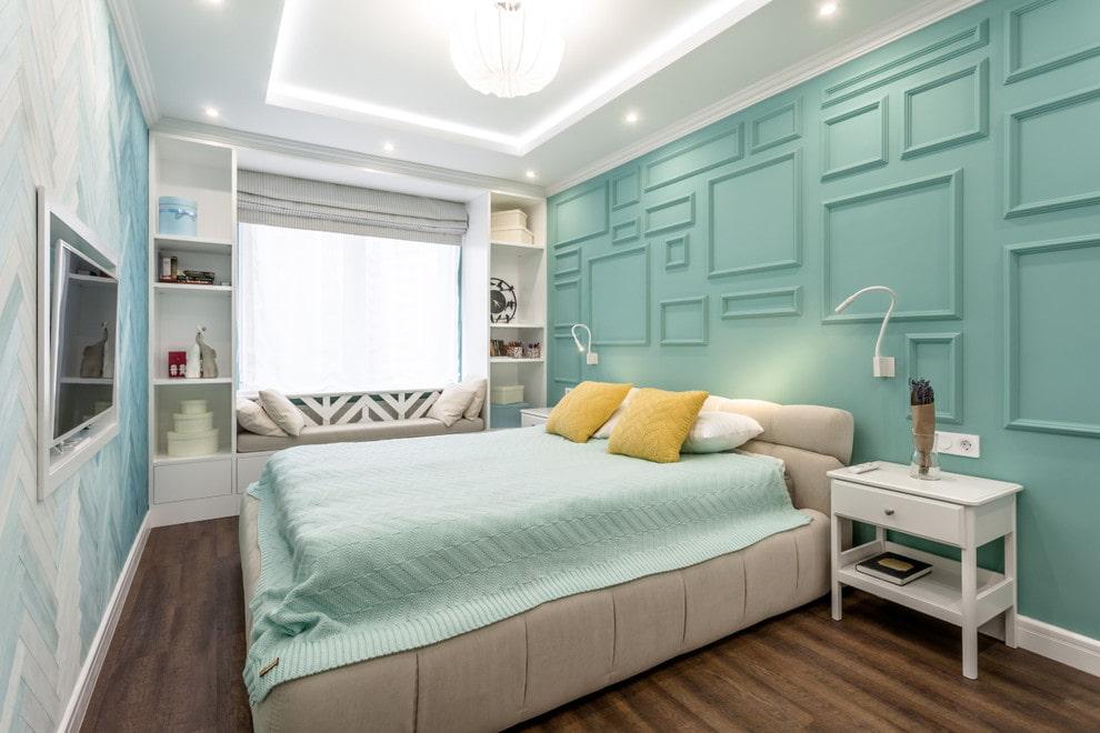 современная спальня в бирюзовых тонах