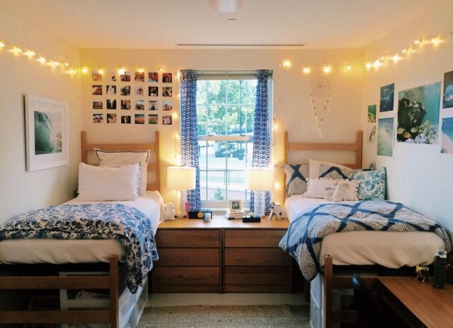 Декор гирляндами комнаты в общежитии