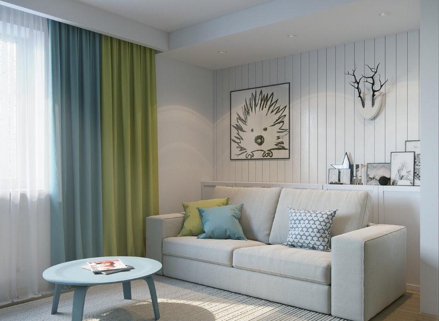 Двойные шторы из плотной ткани в гостиной