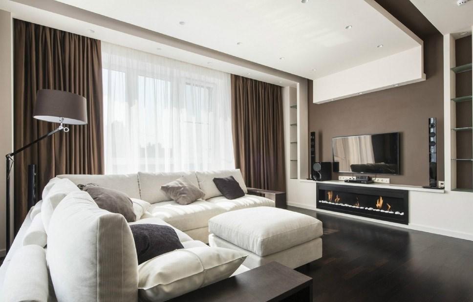 Темно-коричневые шторы в гостиной высокотехнологичного стиля