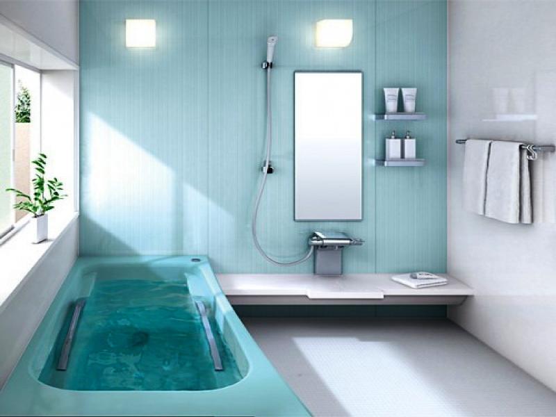 Акриловая ванна цвета морской воды с хромированными рукоятками