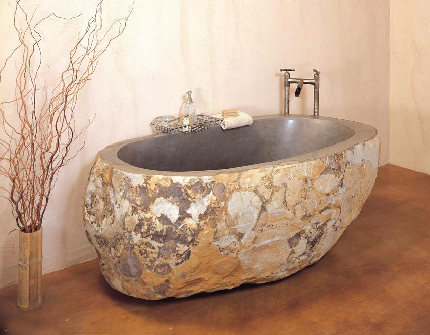 Роскошная ванна из речного камня