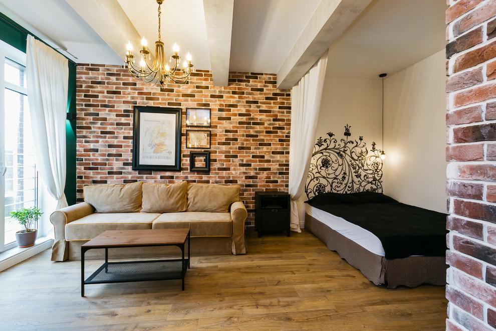Кирпичная отделка стены в гостевой зоне комнаты