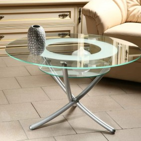 зеркальный столик в интерьере