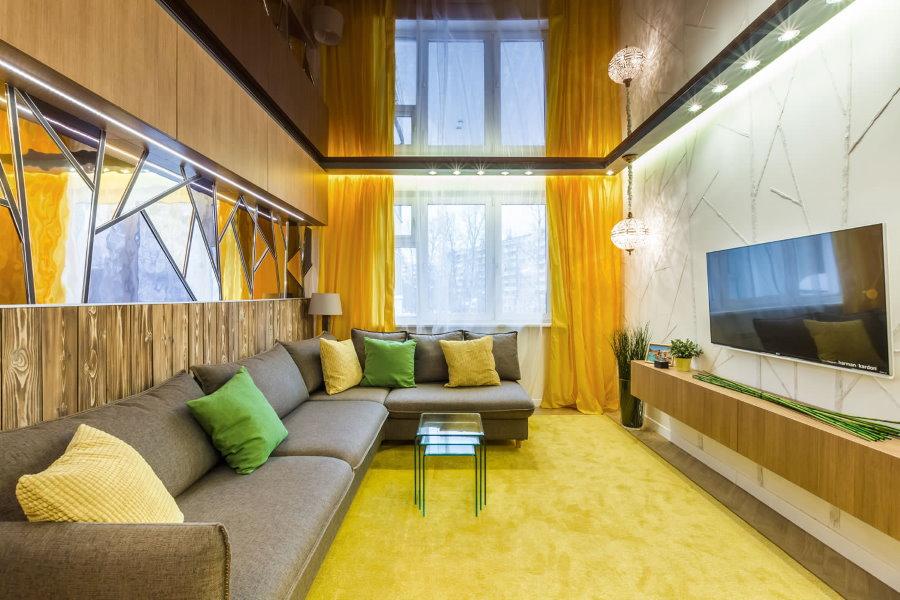 Желтые шторы под ковер в гостиную комнату
