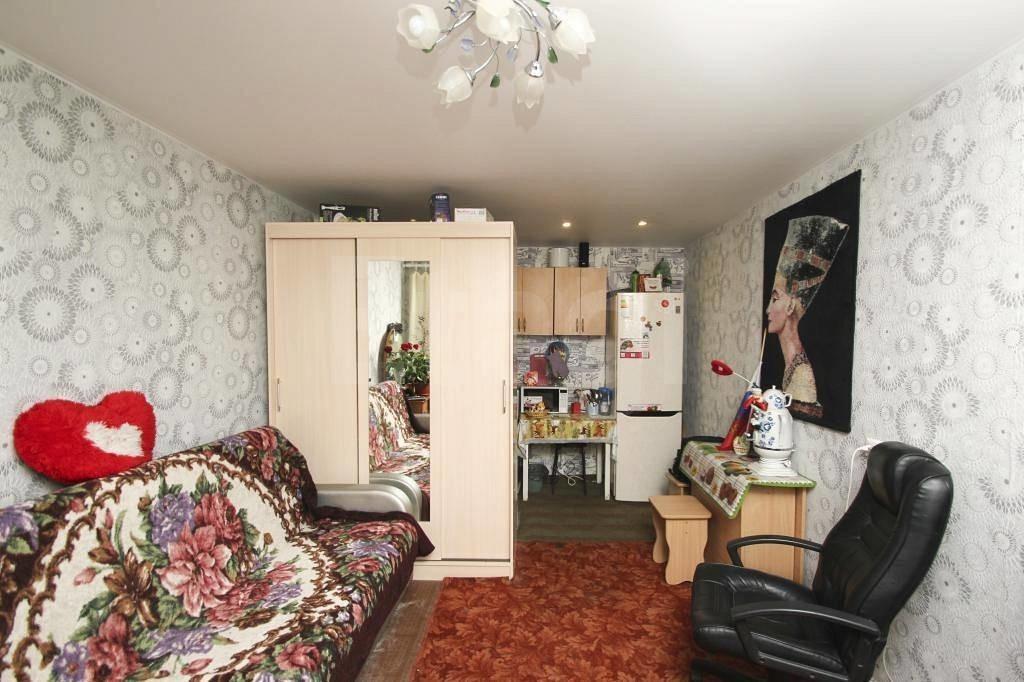 Зонирование шкафом комнаты в общежитии