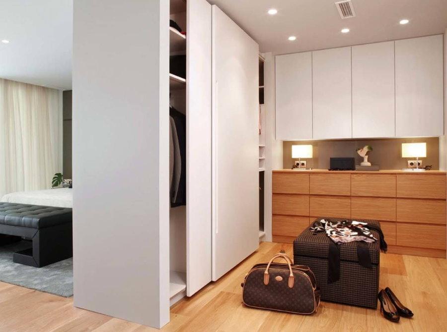 Зонирование однокомнатной квартиры шкафом-купе