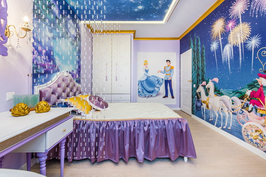 Нитяные шторы на потолке комнаты для девочки