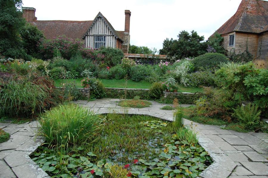 Ландшафтный дизайн загородного участка в английском стиле