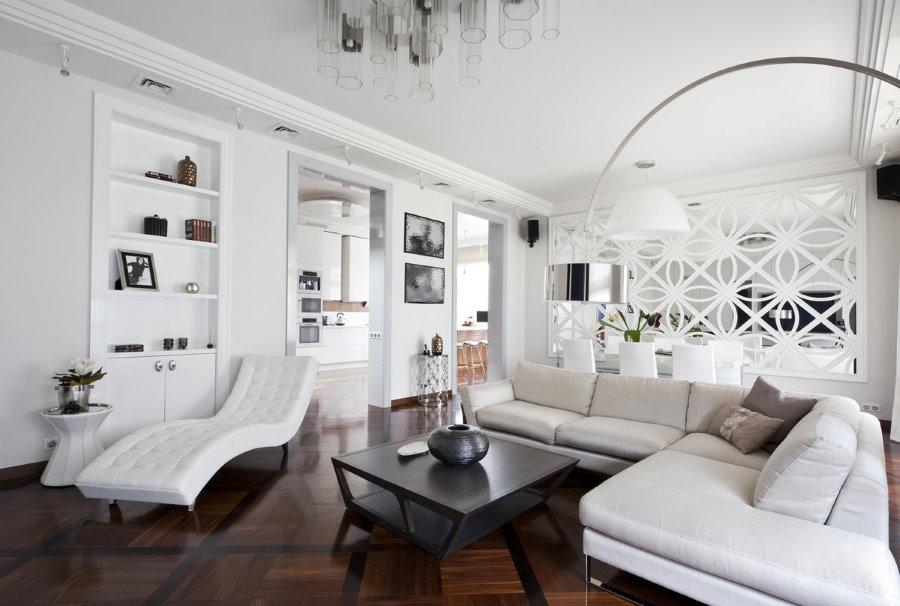 Просторная гостиная квартиры в стиле арт-деко