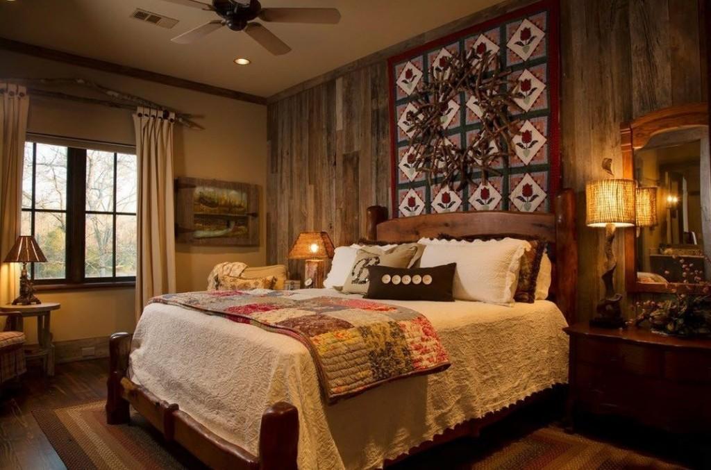 Деревянная отделка стены в спальне деревенского стиля