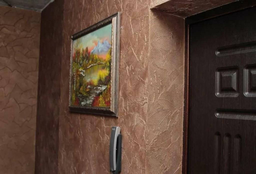 Фото отделки стен в прихожей венецианской штукатуркой