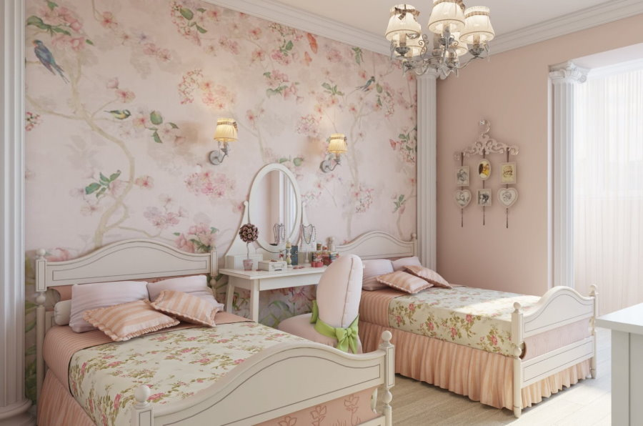 Розовые обои с растительным орнаментом в спальне девочек