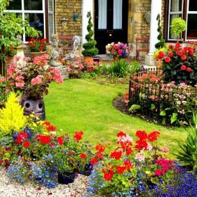 Ландшафтный дизайн сада с контейнерными растениями