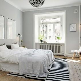 Интерьер спальни без штор на окне