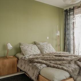 Окраска стен спальни в светло-зеленые оттенки