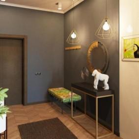 Прихожая в современной квартире панельного дома