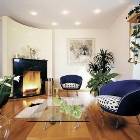 Декоративный камин в интерьере квартиры