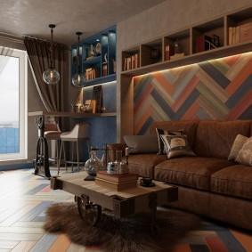 Декор стены над диваном досками разного цвета