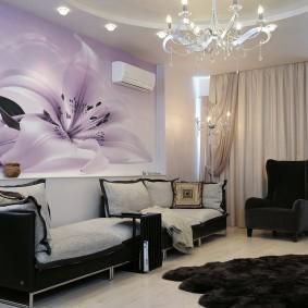 Красивые фотообои над диваном в комнате
