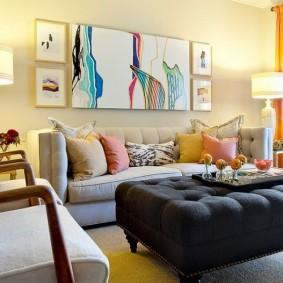 Освещение гостиной комнаты в частном доме