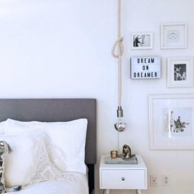 Светильник в спальне на веревочной подвеске