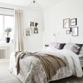 Декор фотографиями стены в спальне