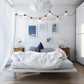 Светлая штора из легкой ткани