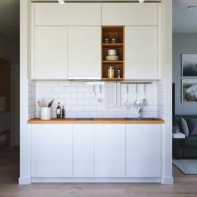 Встроенная кухня с линейным гарнитуром