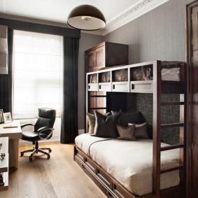 Двухъярусная кровать в комнате подростка
