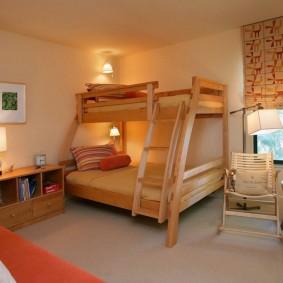 Освещение комнаты с двухъярусной кроватью