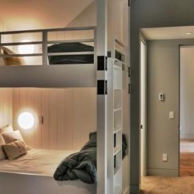 Подсветка спальных мест в двухъярусной кровати
