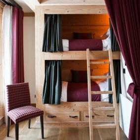 Деревянная лестница на второй ярус детской кровати