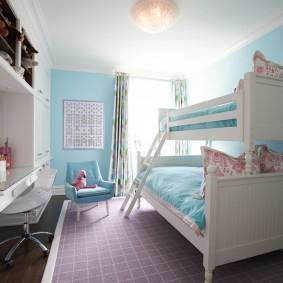 Голубые обои в спальне подростков