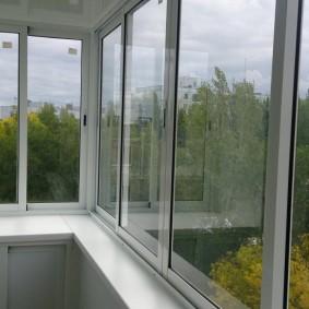 Алюминиевые окна раздвижной конструкции
