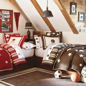 Интерьер детской спальни в мансарде