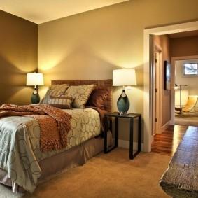 Освещение спальни с помощью настольных ламп