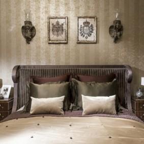 Декорирование стены над кроватью в спальной комнате