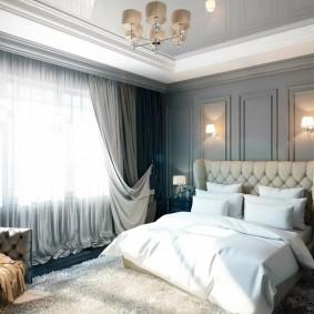 Серые панели на стене в спальне
