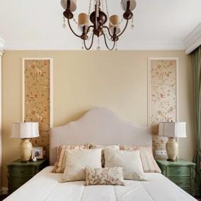Декор спальни вставками из обоев