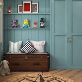Голубая вагонка на стене детской спальни