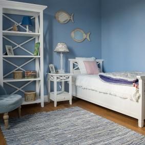 Белая мебель из натурального дерева